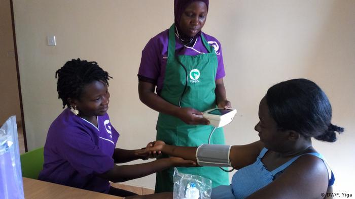 Using smartphone tech to improve maternal health in Uganda